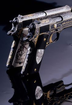 Vampire Hunter Pistols - That's hott.