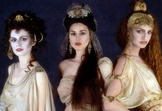 The brides from Bram Stoker's Dracula (1992)  Le Bal Paradoxal gorgeous costuming blog