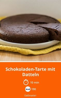 Schokoladen-Tarte mit Datteln Chocolate tart with dates - smarter - calories: 190 kcal - time: 10 min. Easy Smoothie Recipes, Snack Recipes, Snacks, Cupcake Recipes, Pie Recipes, Healthy Sweets, Healthy Baking, Law Carb, Pumpkin Spice Cupcakes