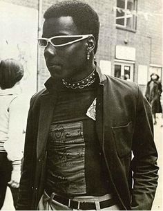 punk 1978 cool (from the book In The Gutter by Val Hennessy) Punk Rock Outfits, 70s Outfits, 70s Punk, Punk Goth, Afro Punk Fashion, 80s Fashion, Gypsy Fashion, Fashion Ideas, Rock Chic