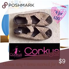 CORKY'S size 8 Very comfy shoes in Very good Condition! corkys Shoes Wedges