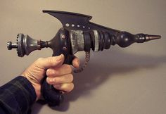 Steampunk raygun model 81 by Tom Banwell