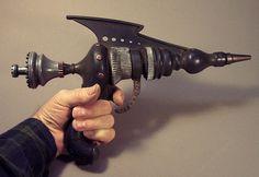Steampunk raygun model 81 by Tom Banwell, via Flickr http://oculoid.com/bizarre-stylish-steampunk-creations/