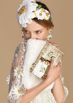 Dolce & Gabbana, Summer 2016  Daisy Collection http://www.dolcegabbana.it/donna/collezione/daisy/?i=dolce-and-gabbana-summer-2016-woman-collection-34