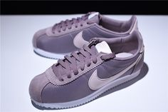 new product 03bb4 ae1aa WMNS Nike Classic Cortez Nylon Taupe Grey Silt Red-White 749864-200