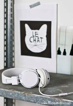 Plattan headphones + Le Chat print Photo: François Kong | Styling: Karine Kong