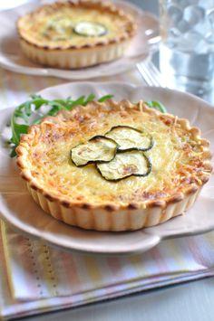 Tarte aux courgettes - Envie de Bien Manger  http://www.enviedebienmanger.fr/fiche-recette/recette-tarte-aux-courgettes-1 #green #pie #cheese