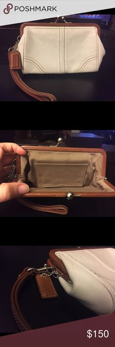 Authentic Coach wristlet Authentic Coach wristlet barely used Coach Bags Clutches & Wristlets