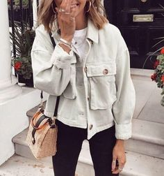 Apr 2020 - best fall jackets with big pockets shirt jacket women big pocket jacket long sleeve spring coats for women oversized ladies green spring coat for sale Mode Outfits, Trendy Outfits, Fashion Outfits, Fashion Ideas, Fashion Blouses, Party Outfits, School Outfits, Party Dresses, Wedding Dresses