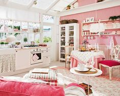 love this kitchen / living room sooo much