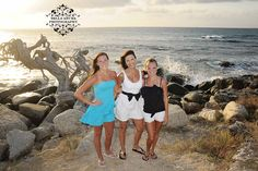 Whats there not to LOVE.   #aruba #backdrops #family #photos