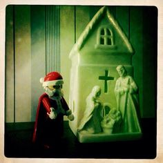 The time #PLAYMOBIL ® #Santa visited #Baby #Jesus... #nativity
