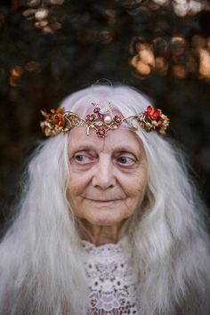 Bridal Crown, Bridal Tiara, Beautiful Old Woman, Beautiful People, Gothic Hairstyles, Hair Wreaths, Floral Hair, Winter Collection, Her Hair