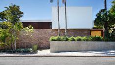 Casa AH / Studio Guilherme Torres   ArchDaily Brasil