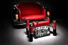 диван и стол из автомобиля