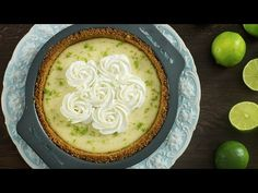 Key Lime Pie is an elegant and delicate dessert perfect for holidays or any other occasion. It has a smooth, silky, tart and sweet filling that makes a great impression everywhere. Pie Recipes, Sweet Recipes, Dessert Recipes, Desserts, Cooking Recipes, Jambalaya, Keylime Pie Recipe, Lemon Bundt Cake, Digestive Biscuits