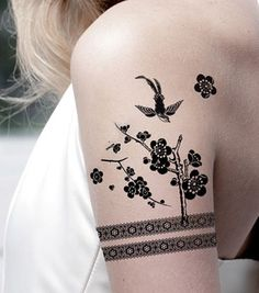 laurie 39 s pacemaker tattoo heart pinterest tattoo tatoos and tatting. Black Bedroom Furniture Sets. Home Design Ideas