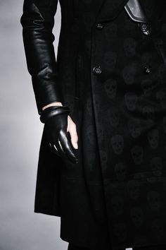 love the skull detailing on the coat + leather gloves .  Follow us! - http://starshipseraphm.blogspot.com/p/home.html