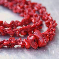 Red Coral Пряжа ожерелье - ручной вязки из Deep Red нейлоновых нитей с натуральный красный Коралловые бусы