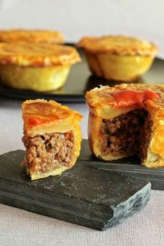 A traditional home-made best Australian meat pie recipe you will find with step by step guidelines and out of this world flavour. Australian Meat Pie, Aussie Food, Australian Recipes, Meat Recipes, Cooking Recipes, Curry Recipes, Savory Pastry, Savoury Pies, Beef Pies