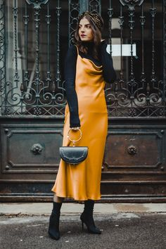 It's safe to say the slip dress is here to stay. Simple and classic, a slip dress is a style staple. A good slip dress is versatile and so easy to dress up or down. Slip Dress Outfit, Black Slip Dress, The Dress, Maxi Dresses, Dress Work, Swag Dress, Dress Shoes, Dress Lace, Fall Clothes