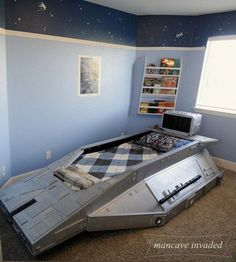 Super bedroom art for men star wars ideas Star Wars Bedroom, Star Wars Nursery, Batman Bedroom, Diy Home Decor Rustic, Diy Home Decor Bedroom, Bedroom Art, Bedroom Furniture, Bedroom Ideas, Star Wars Furniture
