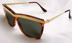 Vintage Ray Ban Sunglasses in Tortoise - Gold Color