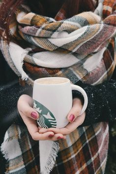 Treat the Kids to These Caffeine-Free Holiday Drinks From Starbucks
