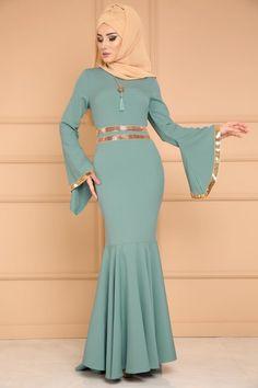** YENİ ÜRÜN ** Payet Şeritli Balık Abiye Mint Ürün kodu: MSW8290 --> 109.90 TL Islamic Fashion, Muslim Fashion, Fashion Wear, Hijab Fashion, Fashion Dresses, Chic Dress, Dress Up, Modele Hijab, Hijab Style