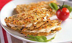 As tortilhas são uma mistura de batata, mussarela, sal e salsa, que você molda em uma frigideira e doura dos dois lados. Daí, como se já não fosse gostoso o suficiente, você recheia com requeijão! Confira aqui a receita.