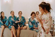 Los 10 mejores fotógrafos de matrimonios en Medellín: ¡el registro perfecto de tus emociones! Saris, Bride Getting Ready, Bridesmaid Dresses, Wedding Dresses, Instagram, Crown, Bridal, Videos, Fashion