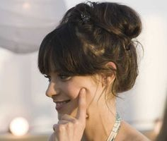 My go-to do when I need a cute hair style in no time.. Thanks Zooey!!