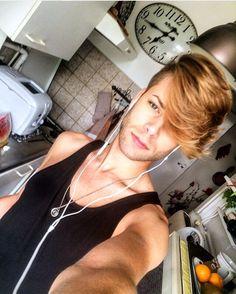 #hairstyle #gold #goldblond #blond #hair #hairstylist #men