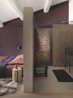 Another day room on shades of plum and red with an aubergine painting of Sarah Lavoine. Home Bedroom, Bedroom Decor, Day Room, Master Room, Attic Rooms, Home And Family, Sweet Home, New Homes, House Design