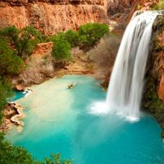 Havasu Falls, Arizona // America's Best Swimming Holes via Travel and Leisure Vacation Places, Vacation Destinations, Dream Vacations, Vacation Spots, Places To Travel, Arizona Waterfalls, Grand Canyon Hiking, S Bahn, Best Swimming