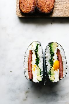 Recipe | Rice ➡ how to make onigizaru or sushi sandwiches - www.iamafoodblog.com