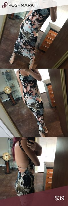 Perfect Backless Floral Maxi 💎 Perfect condition.  Fabric has a lot of stretch  ⚖ Price Firm. Bundle for Discount ⚜Top Seller. No Trades.  📬 Quick Shipping.  Uh hu 🍯 Windsor Dresses Maxi