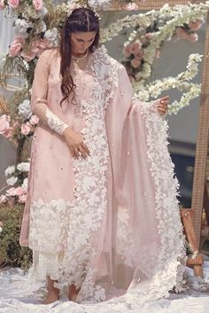 It is further embellished with sheesha spray and can be paired with the beautiful complimenting ourhnee. Pakistani Party Wear Dresses, Pakistani Dress Design, Pakistani Bridal, Pakistani Outfits, Indian Outfits, Fancy Dress Design, Stylish Dress Designs, Dress Indian Style, Indian Dresses