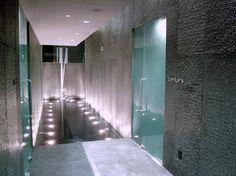 TOP 75 U.S. MAINLAND HOTEL SPAS  # 53.  THE HOTEL AT MANDALAY BAY, LAS VEGAS    Overall Score: 88.1  Treatments: 89.5  Staff: 87.4  Facilities: 87.4    Treatment Rooms: 20  Basic Massage: $135