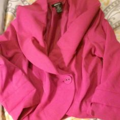 Metro Size 6 Pink Blazer! Pristine condition, no visible wear. Super cute, very Elle Woods-esque! The only reason I'm selling is it's too big for me! Fits true to size, medium or 6. Metro Jackets & Coats Blazers