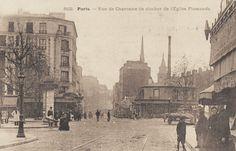 #photo #histoire Rue de Charonne et clocher de l'Eglise Flamande vers 1900 #Paris11 #PEAV @Menilmuche @ParisHistorique @Histoire_image @HistoricalPics