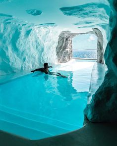 The 'Cave Suite' in Mykonos' Cavo Tagoo resort features an indoor/outdoor pool. Shot by travel destinations 2019 The 'Cave Suite' in Mykonos' Cavo Tagoo resort features an indoor/outdoor pool. Shot by Jeremy Austin. Beautiful Places To Travel, Cool Places To Visit, Amazing Places, Amazing Hotels, Unique Hotels, Amazing Cars, Romantic Travel, Amazing Things, Wonderful Places
