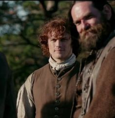 Gotta love that Murtagh smile! Jamie and Murtagh, watching Claire walk away with the bottle of booze she snatched from Dougal. XD