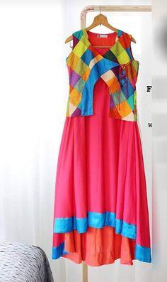 Improve an occasion look utilizing a stunning motion to produce a glamorous gown. Jacket Style Kurti, Kurti With Jacket, Gown With Jacket, Churidar Designs, Kurta Designs Women, Latest Kurti Designs, Dress Neck Designs, Blouse Designs, Trendy Kurti