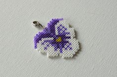Hama mini perler flower ,Johnny jump up heartsease , Viola tricolor by Alsterbead