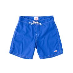 DESCRIPTION: Even if you wipe out in the waves, you can count on these shorts holding up. The double needle stitching makes for extra durability, and the draw c