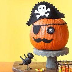 DIY Pumkin Crafts : DIY Pirate Pumpkin - Halloween Pumpkin Ideas