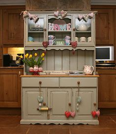 Ideas For Shabby Chic Kitchen Diner Welsh Dresser Country Furniture, Shabby Chic Furniture, Painted Furniture, Repurposed Furniture, Country Decor, Shabby Chic Welsh Dresser, Shabby Chic Kitchen Dresser, French Dresser, Kitchen Hutch