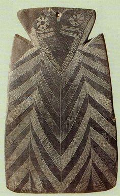 Ídolo-placa de Granja de Céspedes (Badajoz, España). Estos ídolos-placa han sido hallados principalmente en el suroeste peninsular, sobre todo en el Alentejo y Extremadura
