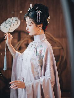 Traditional Fashion, Traditional Dresses, Fantasy Model, Hanfu, Cheongsam, Ancient Beauty, Oriental Fashion, Historical Costume, Cool Costumes